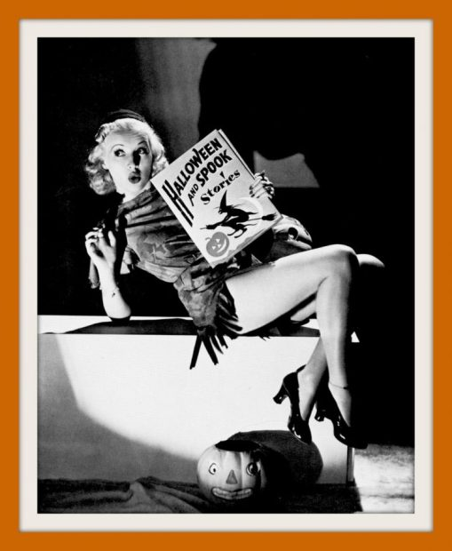 Vintage-Halloween-pin-up-girls-form-the-30s-and-40s-5-1-750x913
